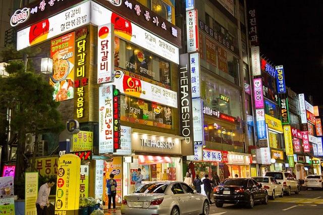Thỏa sức mua sắm tại khu chợ Dongdeamun nổi tiếng ở Seoul, Hàn Quốc