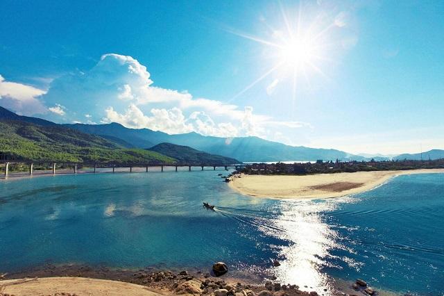 Lưu ngay list điểm tham quan hấp dẫn cho chuyến du lịch tết ở Huế
