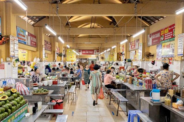 Khu ẩm thực trong nhà tại chợ Cồn